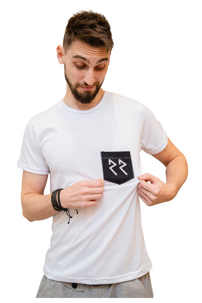 Camiseta Black Pocket
