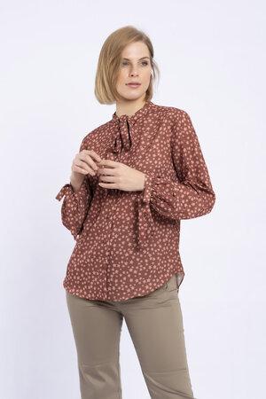 Camisa com laco em crepe de chine constela