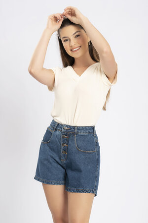 Shorts jeans medio botoes