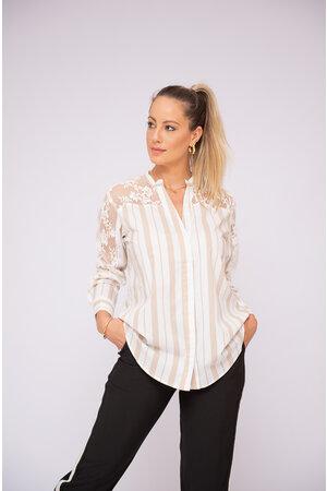 Camisa listras detalhe renda costas e manga