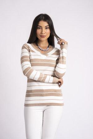Blusa decote vê listrada em tricot