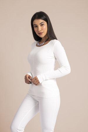 Blusa basica em tricot canelado