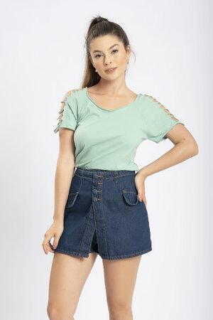 Shorts saia jeans com botoes encapados