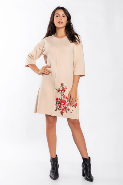 Vestido tricot bordado floral