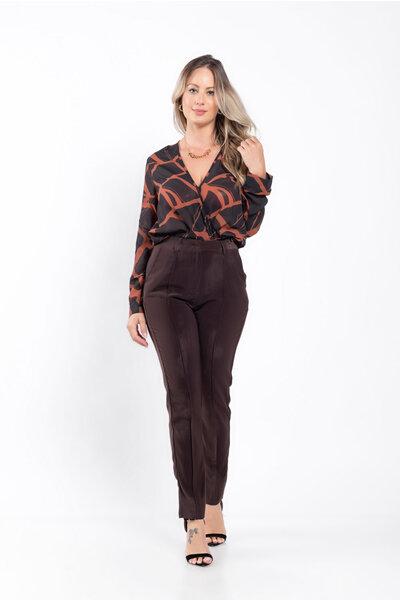 Calça alfaiataria cintura alta com bolsos