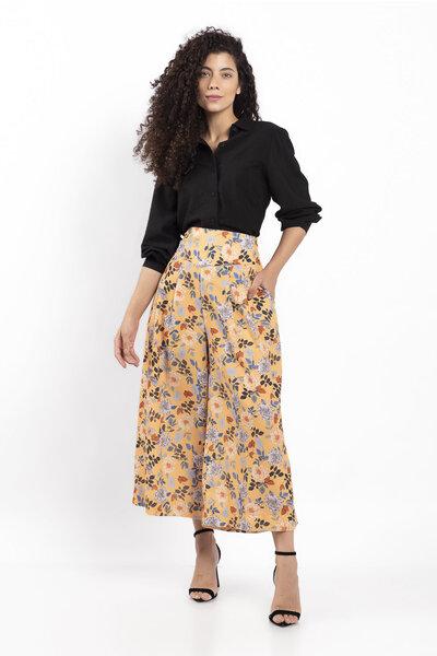 Calca pantacour estampa floral forrado com bolso