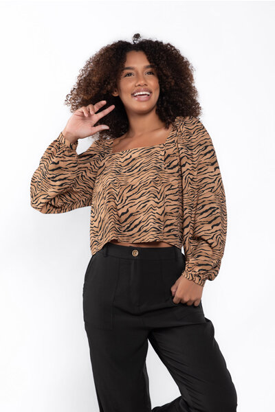 Blusa decote quadrado manga longa animal print