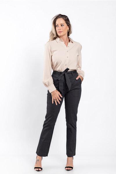 Calça alfaiataria cintura alta com faixa
