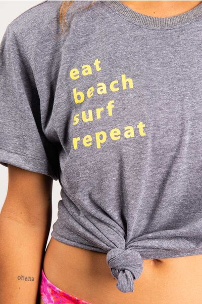 blusa eat beach surf repeat
