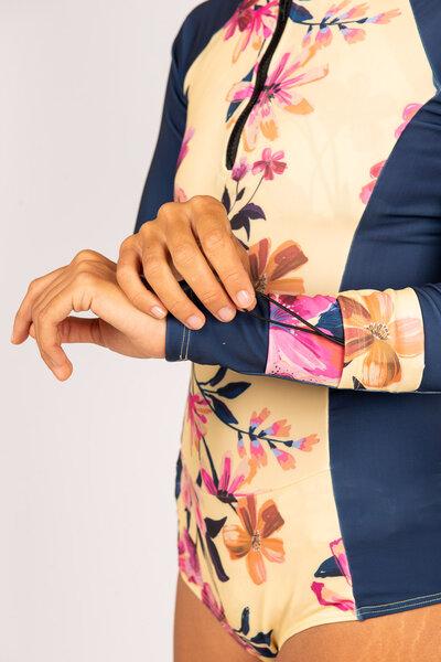 maiô com manga arpoador