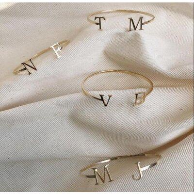Bracelete Letra Liso