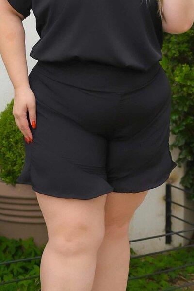 Short plus size básico crepe preto