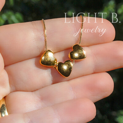 Colar Three Hearts Dourada