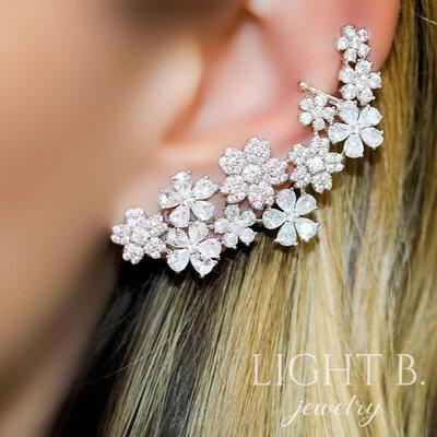 Ear Cuff Luxury Flowers