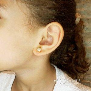 Brinco Infantil Little Star com Cristal Cor Golden Shadow Ouro Amarelo 18K