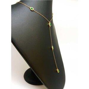 Colar Gravatinha Long Tie Gota com Cristais Cor Esmeralda Ouro Amarelo 18K