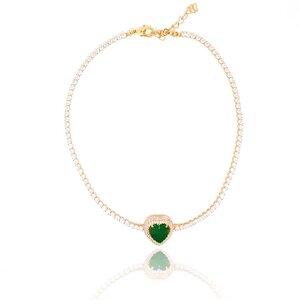 Colar Choker Coração com Cristal Cor Verde Esmeralda Ouro Amarelo 18K