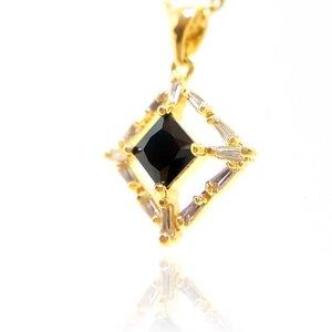 Colar Jade Cristal Negro em Ouro Amarelo 18K