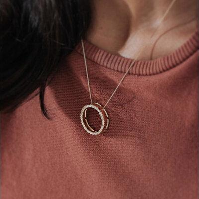 Colar Círculo Vazado Cravejado Zircônias - Ouro 18k