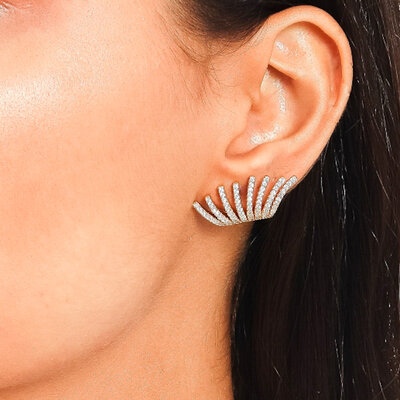Brinco Ear Hook Cravejado Micro Zircônias - Banho Ouro 18k