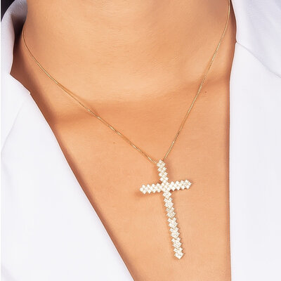 Colar Crucifixos Rígido Cravação em Zircônias - Banho Ouro 18k