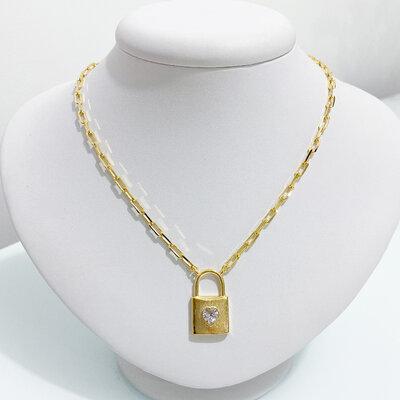 Colar Cartier Cadeado com Coração - Ouro 18k