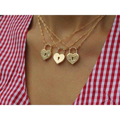 Colar Cartier Coração Cadeado Cravejado - Ouro 18k