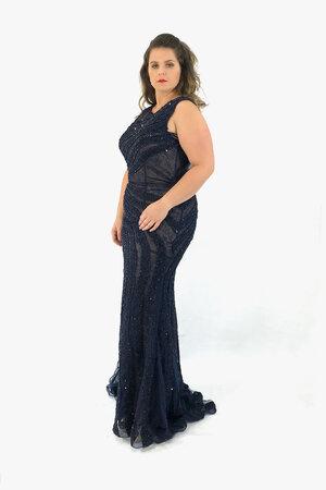 Vestido longo sereia decote canoa leve transparecia cintura