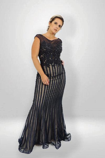 Vestido sereia longo bordado e rebordado com pedrarias