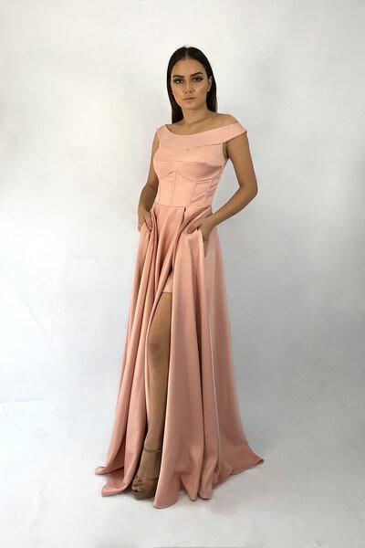 Vestido saia com fenda