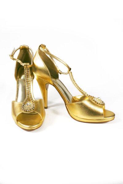 Sandália Dourada salto alto c/ strass