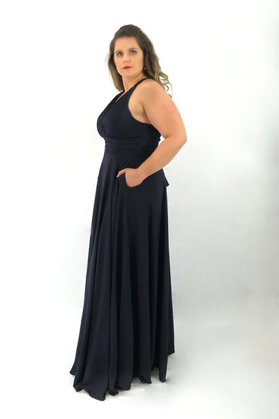 Vestido plissado com amarração nas costas