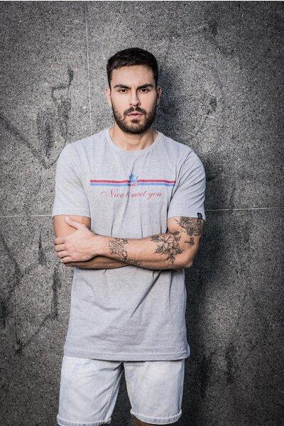 Camiseta Straight Line