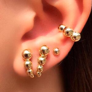Ear Hook em V Bolinhas
