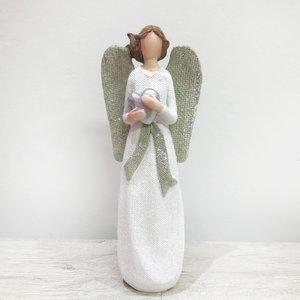 Anjo com Asas com Coração nas Mãos
