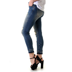 Calça Jeans Feminina Leg Max Emana Rasgos e Puídos