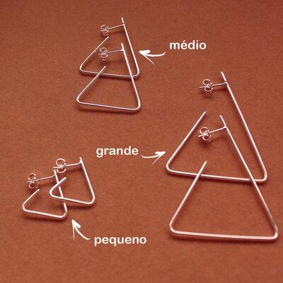 Argola Triângulo Aberto Médio