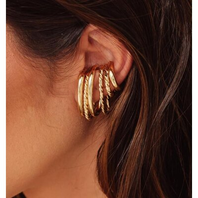 Piercing Earhook Falso Torcido Ouro