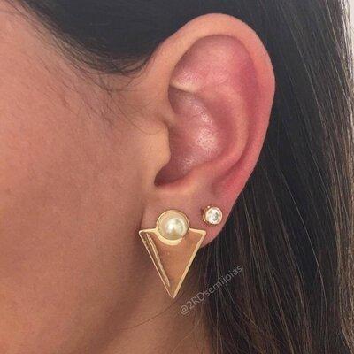 Brinco Triangulo Pérola Dourado