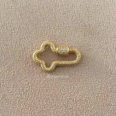 Pingente Mosquetão Cruz Cravejado Ouro