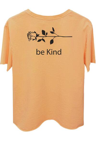 Camiseta estonada salmão Be Kind