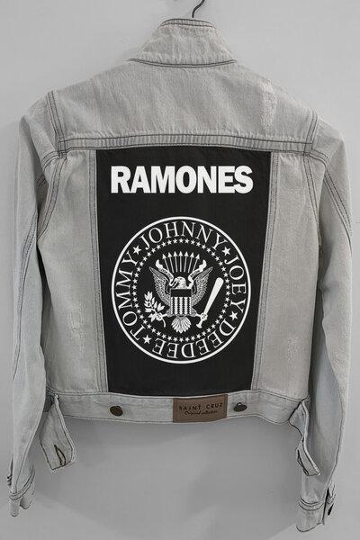 Jaqueta Jeans Rock Destroyed Cru Feminina Ramones