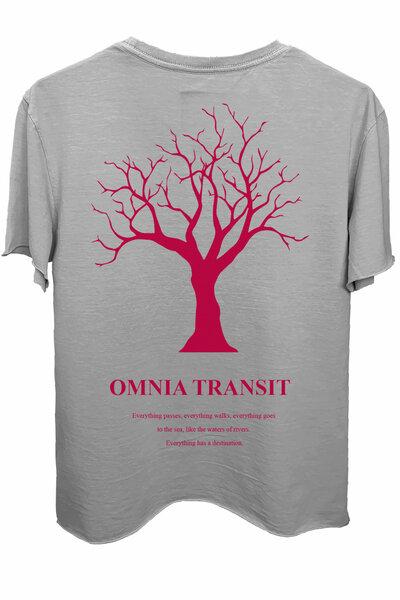 Camiseta estonada cinza clara Omnia Transit (Estampa magenta)