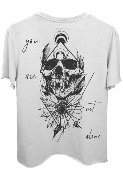 Camiseta branca Alone