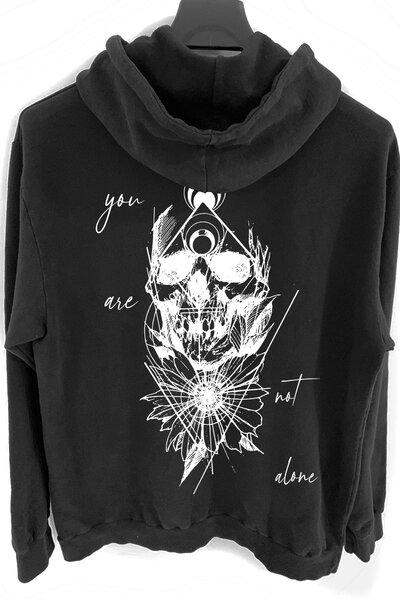 Blusa de moletom preto Alone (Estampa Branca)
