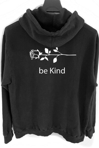 Blusa de moletom preto Be Kind (Estampa Branca)
