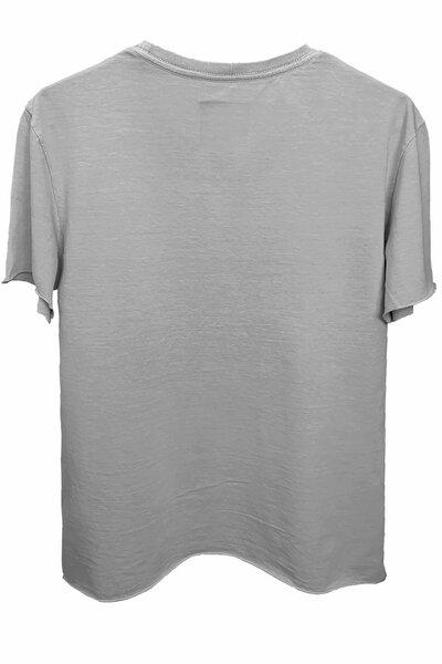 Camiseta estonada cinza clara Tell Me Front (Estampa magenta)