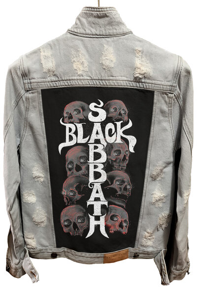 Jaqueta Jeans Destroyed Cru Black Sabbath Skull