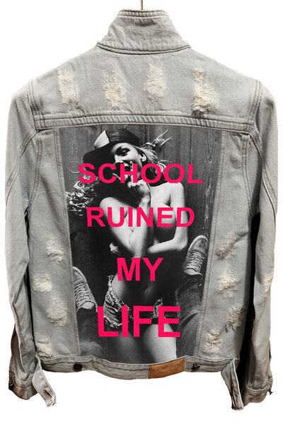 Jaqueta Jeans Destroyed Cru School