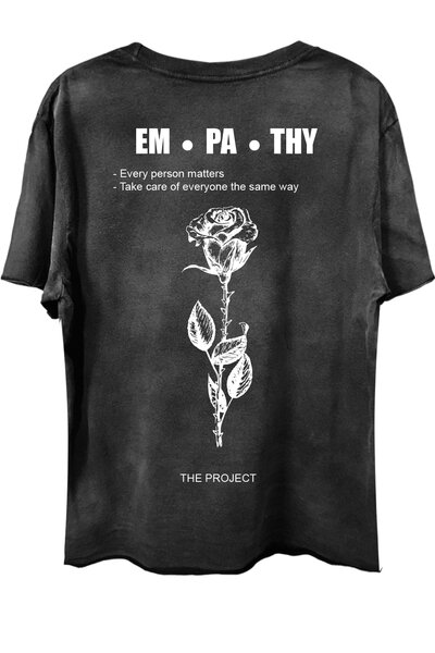 Camiseta com bolso preta Used Empath